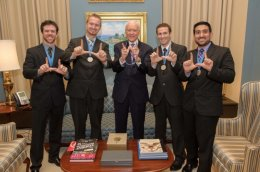 Veritas Medical and Utah Sen. Orrin Hatch display their University of Utah pride at a private meeting following the Collegiate Inventors Competition in Washington, D.C.
